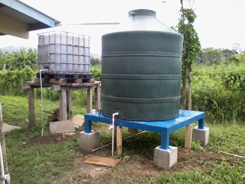 Tanque de reserva y filtro purificador de agua